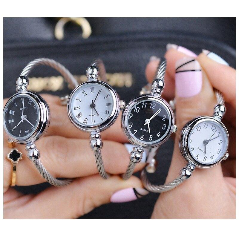 Unique femmes Bracelet montre petit cadran lisse haut de gamme argent mince Bracelet coréen rétro Art femme horloge Quartz montre cadeau heure