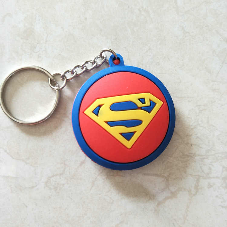 PVC vengadores Capitán América llavero de escudo 3D figura de dibujos animados superhéroe super hombre batman llavero niños baratija regalo