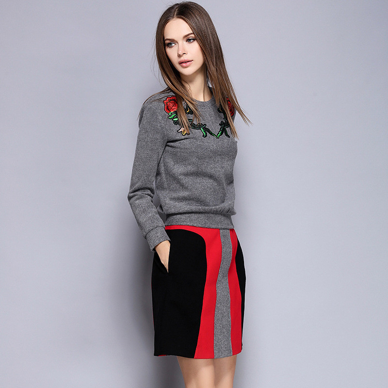 2016-High-Quality-Women-s-Top-Appliqued-Flower-Sukajan-Souvenir-Embroidered-Sweatershirt-stripe-Mini-Dress-Suits (3)