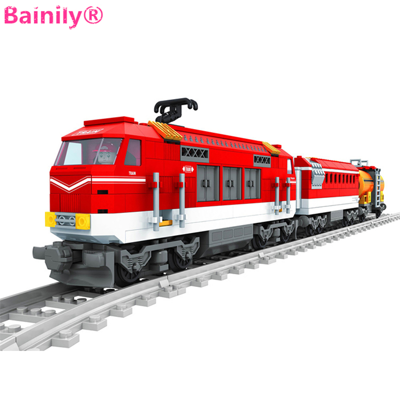 [Bainily]588pcs City Series Train with Tracks Building Blocks Railroad Conveyance Kids Model Bricks Toys brinquedos for children kazi 608pcs pirates armada flagship building blocks brinquedos caribbean warship sets the black pearl compatible with bricks