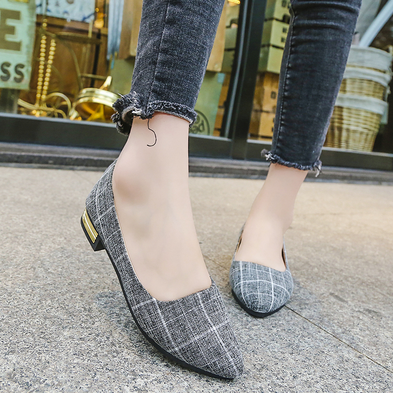 Plus Size 35-42 Ladies Flat Shoes Casual Women Shoes 2018 New Comfortable Pointed Toe Flat Shoes Spring/autumn Women Shoes spring and autumn flat round toe shoes big yards platform shoes pedal lounged single shoes plus size 40 41 43 women s shoes 42