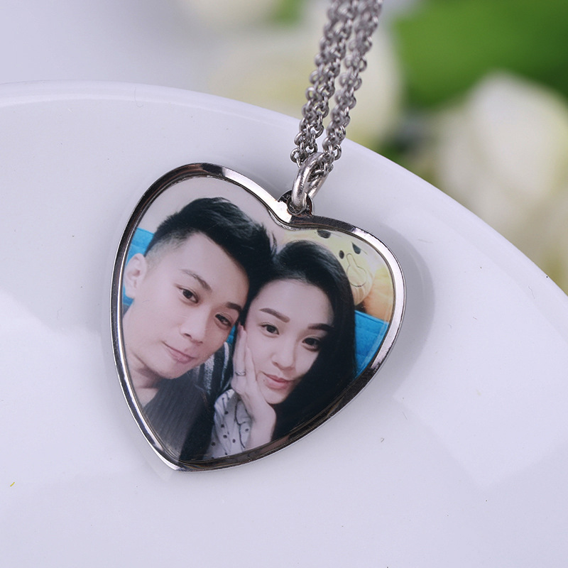 Customized fashion personality photo necklace can be put photos color photo pendant lettering custom love clavicle chain YP3201