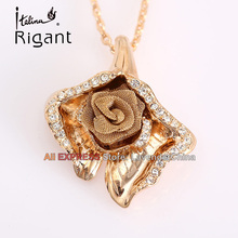 A1-P246 Italina Rigant Fashion Rhinestone Rose Flower Necklace Pendant 18KGP Crystal Jewelry