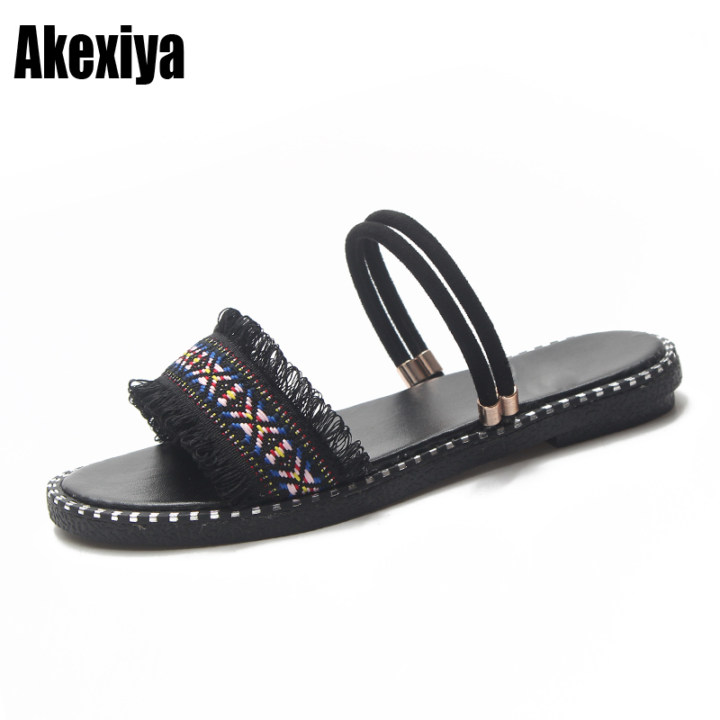 d70925d11663 2018 Summer Boho Fashion Women Sandals Ethnic Flat Heel Beach Shoes Lady  Fringe Casual Slip-On Sandals T126