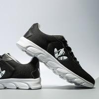 Breathable Running Shoes for Man Black White Sport Shoes Men Sneakers Zapatos Corrientes De Verano New Chaussure Homme De Marque