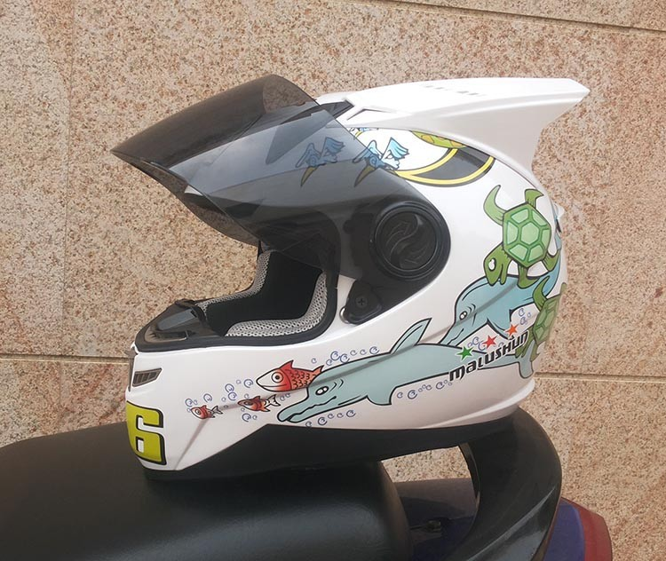 Motorcycle helmets road along Malu Shen 999 men and women fashion personality with horned helmet