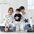 2017 New Spring Family Matching Clothes Cotton Stars Printed Family Hoodies Mother And Daughter Clothes Father Son Outfits F009