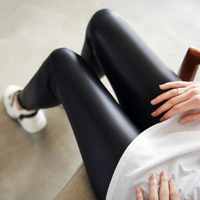 Novas mulheres leggings Mais grossa de veludo preto imitação de couro calças skinny inverno quente leggins calças Mulheres calças qianqin2017