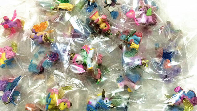 O for U Simba Filly Butterfly Witchy Stars Unicorn ect. Toy Little Horse 3CM Mini Horses Kids Animal Action Dolls 10pcs/lot