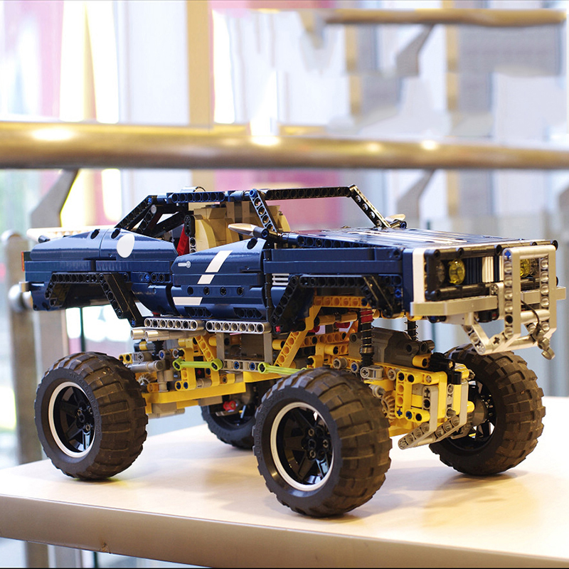 Lepin 20011 4x4 Crawler Exclusive Edition building bricks blocks Pickup Toys for children boys Game  Model RC Car Gift 8 in 1 military ship building blocks toys for boys