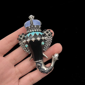 Image 4 - Amorita Boutique Lange Neus Kleine Olifant Pin Exotische Vintage Broche