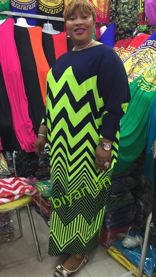 (gratis Verzending) 2016 Afrikaanse Dashiki Nieuwe Fashion Design Bazin Super Elastische Party Plus Size Diamanten Losse Jurk Voor Lady