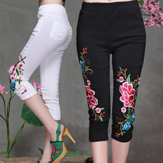 2018 Summer Embroidery Women Casual Pants Capris Black And White New Fashion Vintage Slim Skinny Pants Palazzo Pants Plus Size
