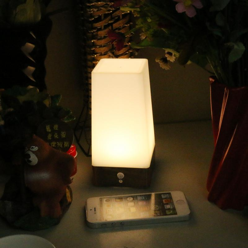 High Quality Retro LED Night Light Wireless PIR Motion Sensor Indoor/Outdoor  Battery Operated Sensitive Portable