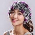 Invierno de las mujeres sombrero de piel hecho punto piel de conejo rex caps con flores raya gorros Sombrero de piel de piel de zorro bufanda anfibio # H9009