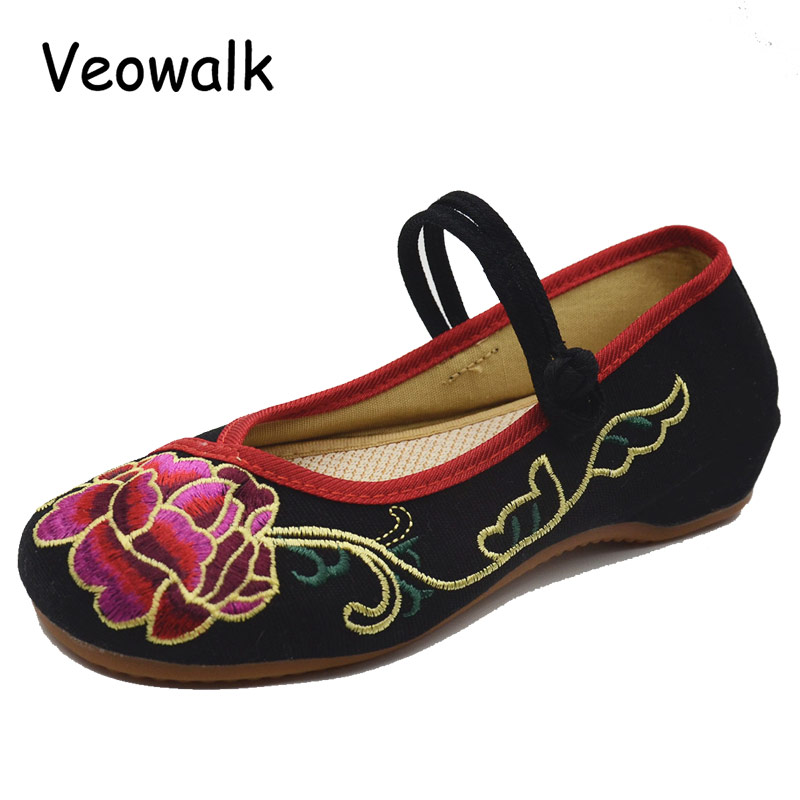 Veowalk New Arrival China Fashion Women's Old Peking Mary Jane Flats Soft Bottom Flower Casual Dancing Shoes Black Red vintage embroidery women flats chinese floral canvas embroidered shoes national old beijing cloth single dance soft flats