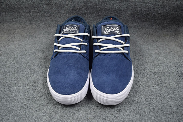 Globe skateboard shoes  (1)