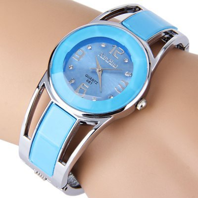 где купить Women watch XIRHUA stainless steel quartz gold & blue color watch fashion bangle elegant hot sale round dial major wristwatch по лучшей цене