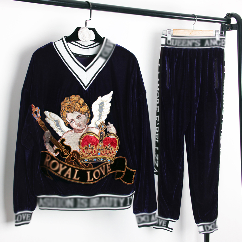 Runway fashion casual velvet suit female 2019 spring new heavy embroidery embroidery hooded sweater + letter thread nine pants