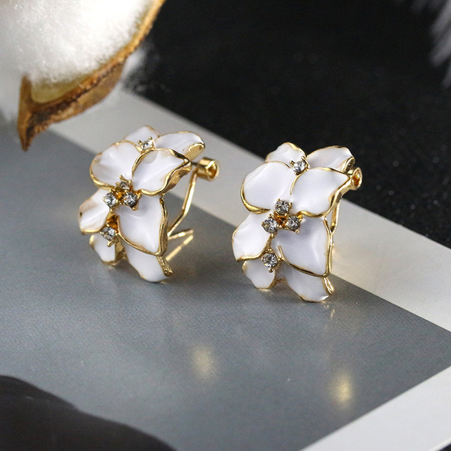 Superbe Crystal Gardenia Earrings White Black Flower Stud Earrings For Women  Fashion Jewelry Gold Color Cubic Zirconia