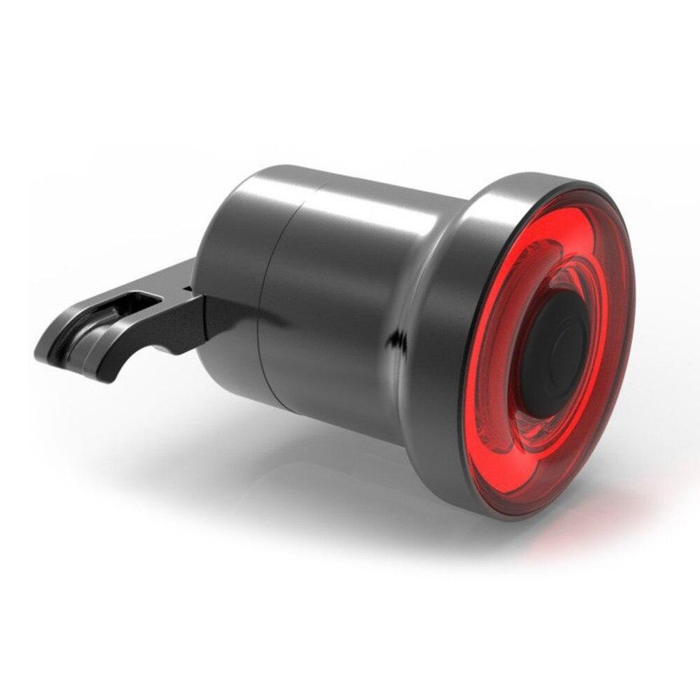 Aleación de aluminio de la bicicleta luces traseras Sensor inteligente luces de freno puerto del USB luces traseras y placa del soporte