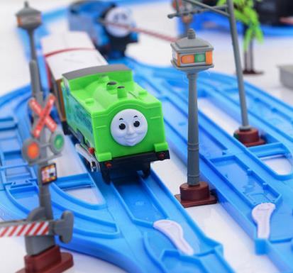 119-pcs-thomas-electric-train-set-toy-trains-4