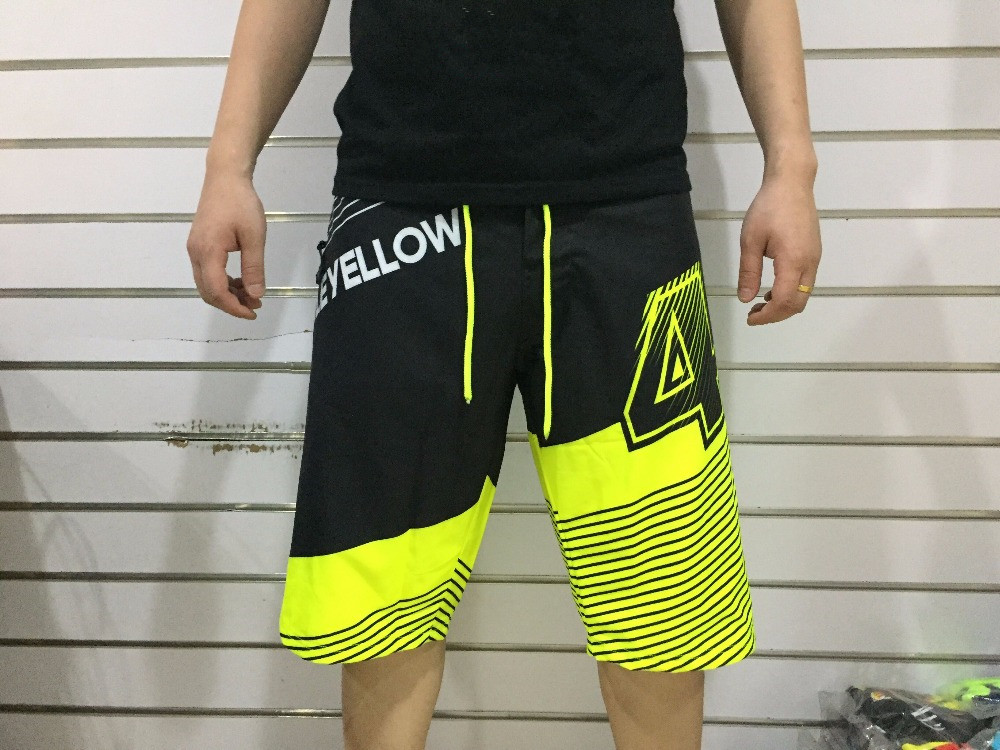 2017 three style new casual fashion short paragraph beach pants motorcycle MotoGp racing M1 VALENTINO VR46 Rossi shorts