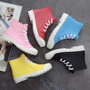 Image 2 - SWYIVY امرأة احذية المطر عالية كبار أحذية رياضية الخريف 2018 الإناث البلاستيكية موضة Rainboots حذاء كاجوال سيدة شقة Wellies احذية المطر 40