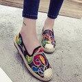 2016 Mujeres de La Manera Zapatos de Los Planos Del Rhinestone Zapatos Suaves Mujeres Embarazadas Impresión Floral Zapatos Mocasines Mocasines de Punta Redonda Flexibles