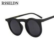 cb5180ae19 RSSELDN gafas de sol mujeres hombres marca diseñador plástico Circular gafas  de sol UV400 negro rojo