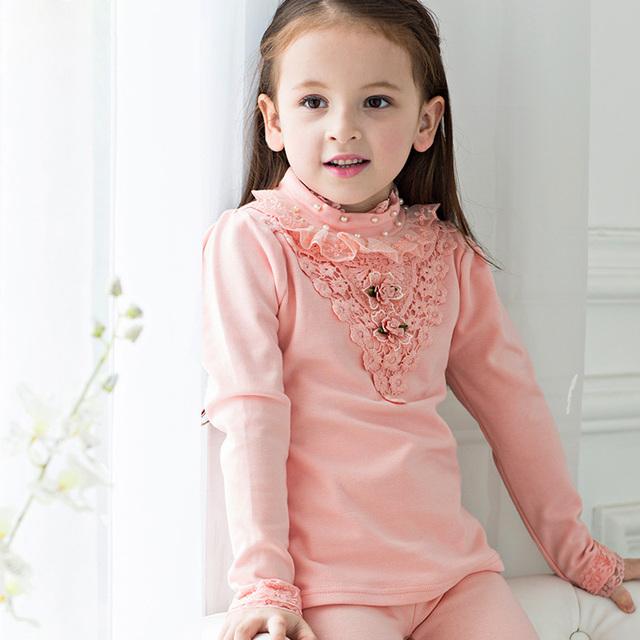Nueva primavera de la moda coreana niños clothing para las muchachas embroma las tapas de punto de encaje niña de las flores princesa de tocar fondo camisa dq215