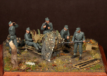 Assembly Scale 1 35 Crew for 2 cm Flak 38 1944 45 include 5 soldiers not