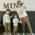Мать и Дочь Семья Одежда Набор Leopard Мода Мама Сын Семьи Сопоставления Одежда Осень Одежда Устанавливает Родитель-Ребенок Одежда