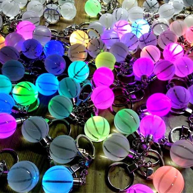 Llaveros de cristal luminoso
