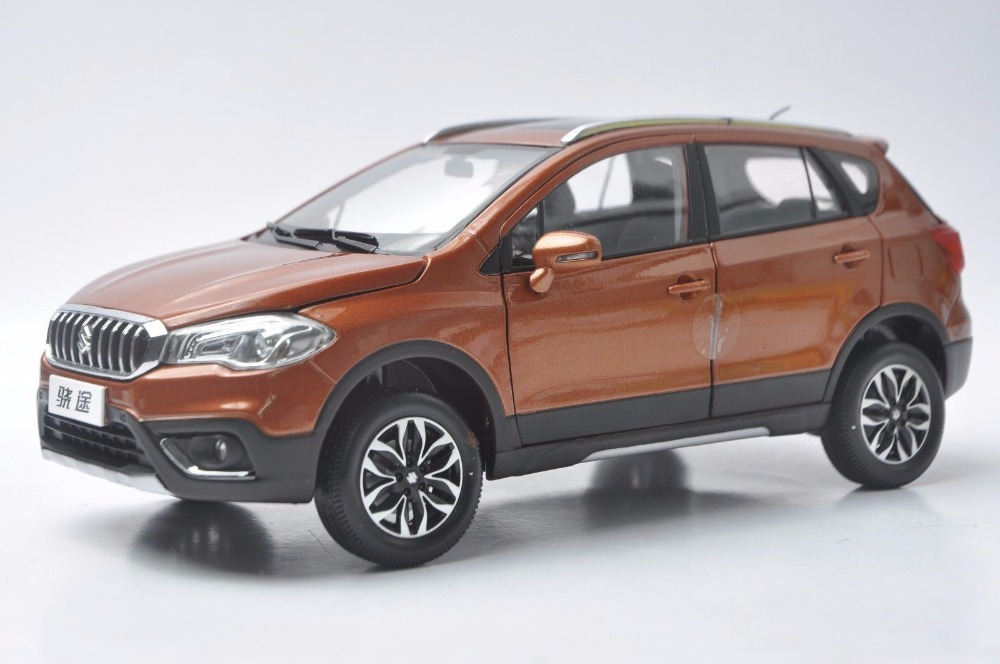 1:18 Diecast Model for Suzuki SX4 S-Cross 2017 Orange SUV Alloy Toy Car Miniature Collection Gifts Scross s cross rare gemini jets 1 72 cessna 172 n53417 sporty s flight school alloy aircraft model collection model