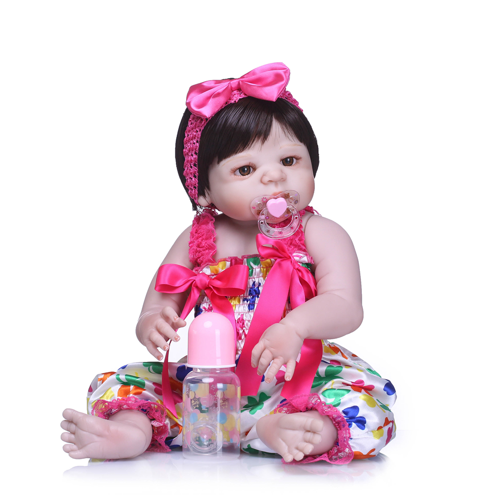 Bebes reborn girl dolls 2255cm full silicone reborn baby doll gift brown hair wig real baby doll Real alive can bathe bonecasBebes reborn girl dolls 2255cm full silicone reborn baby doll gift brown hair wig real baby doll Real alive can bathe bonecas