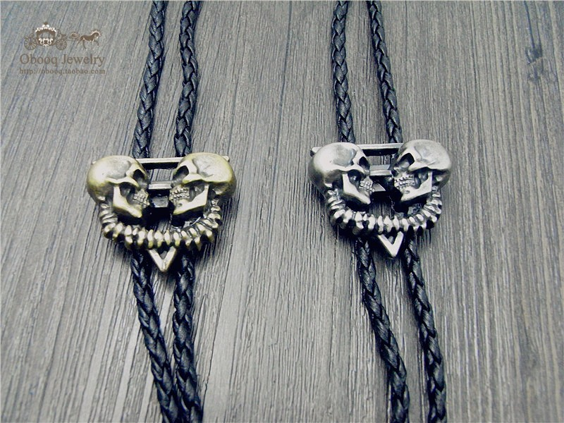 Bolo Tie The Latest Retro Shirt Chain Double Skeleton Ghost Head Poirot Led Rope Leather Necklace Long Tie Hang