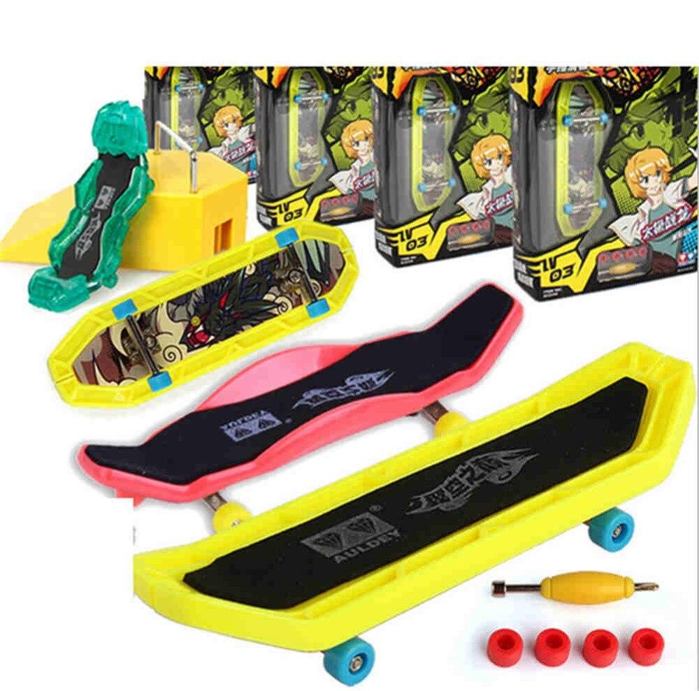 Fingerboard Children toys Finger Skateboard Fingerboard Deck Classic Game Boys Toys Finger Scooter Skate Boarding Toys