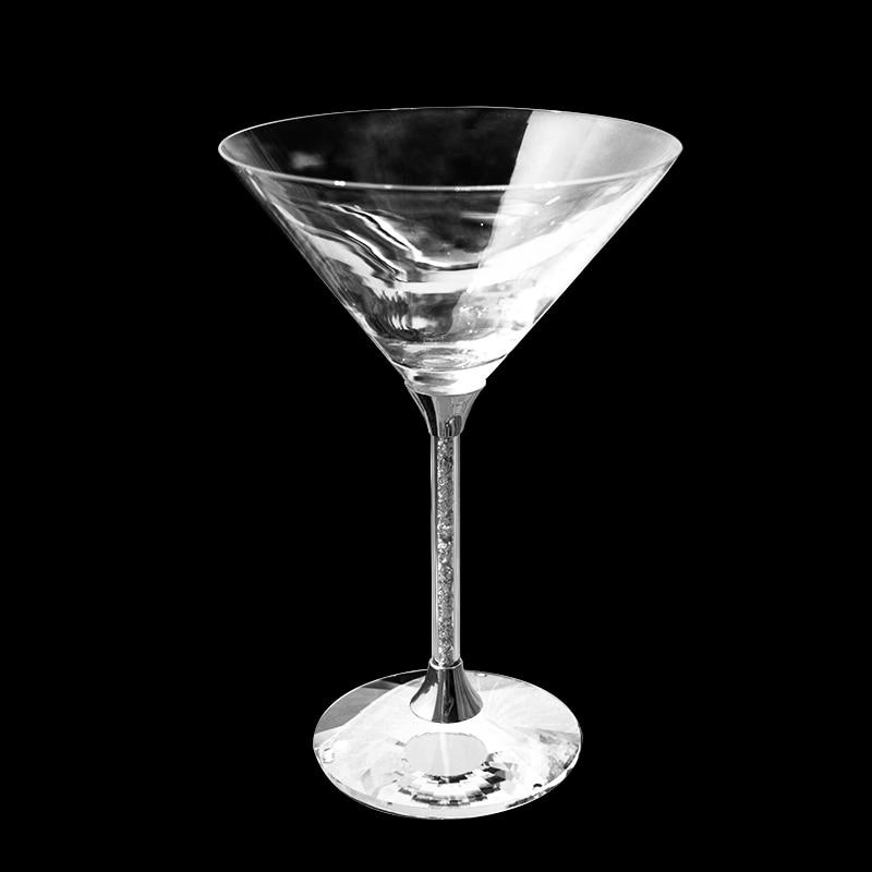 Vino en la parte superior martini en la parte inferior