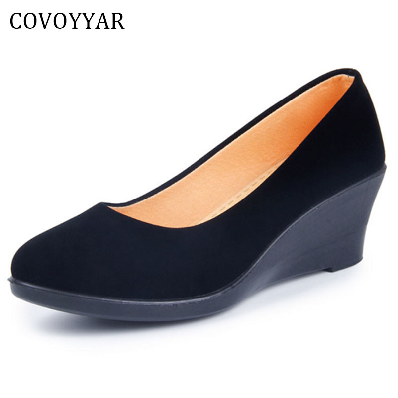 цена COVOYYAR 2018 Wedge Women's Shoes Spring Autumn Flock Soft Women Pumps Slip On Casual Black Shoes Plus Size 40 WHH562 в интернет-магазинах