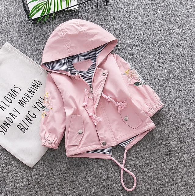 2018 Новое весенне-осеннее пальто-ветровка для девочек, верхняя одежда с капюшоном и цветочной вышивкой для маленьких детей, розовая и синяя куртка, пальто