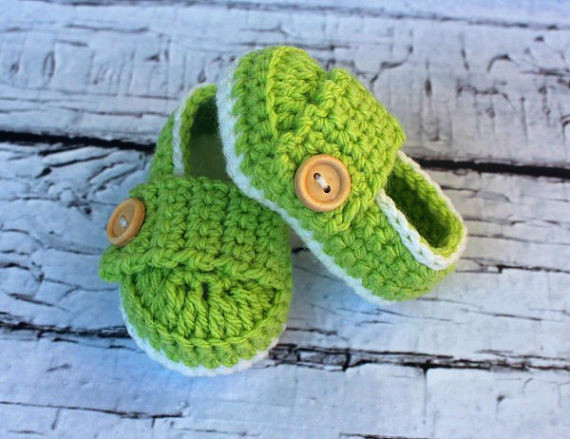 Baby Girl OR Boy Infant Shoes / Slippers / Booties - White & Green - Size -newborn - 18 Months) - Photo Prop  Size: 9cm11cm,13cm