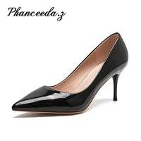 새로운 2017 고품질의 여성 펌프 누드 컬러 섹시한 기본 뾰족한 발가락 단검 하이힐 웨딩 신발 얇은 하이힐 스웨이드 신발