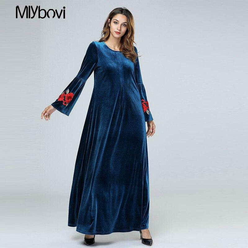 100% authentic 1e7c2 b0b41 US $33.99 50% di SCONTO|Velluto Abaya Per Le Donne Fiori Del Ricamo Blu  Musulmano Abito caftano Marocchino Arabo Dubai Islamic Più I Vestiti di ...