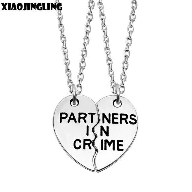 d87c15c92fc6 XIAOJINGLING venta al por mayor mejor amigos collar 2 partes encantador  Corazón Roto carta colgantes collares