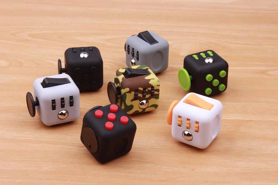 fidget cube (1)