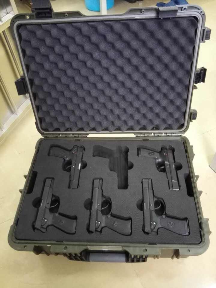 IP67 Hard Plastic Waterproof Trolley For Military Gear