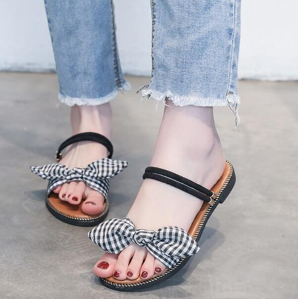 Frauen Schuhe Frauen Sandalen Bogen Flip-flops Transparent Schuhe Frauen Flache Gleitet Sandalen Strand Schuhe Klar Wasserdichte Gelee Tanga Hausschuhe Kleid Hochzeit Schuhe