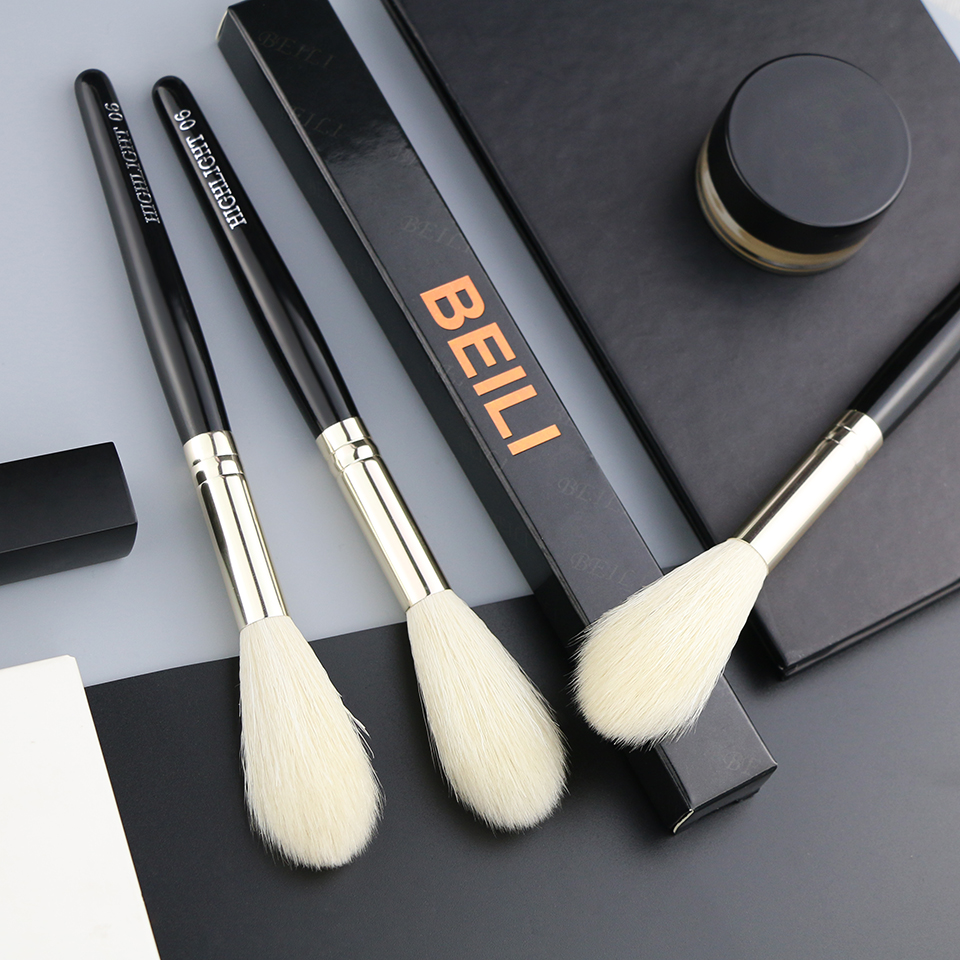 single makeup brush