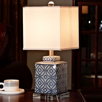 Luxury Blue and white porcelain Table Lamp Luxury Bedroom Bedside Lamp Ceramic With Crystal Base Decoration Lamp Abajur Led